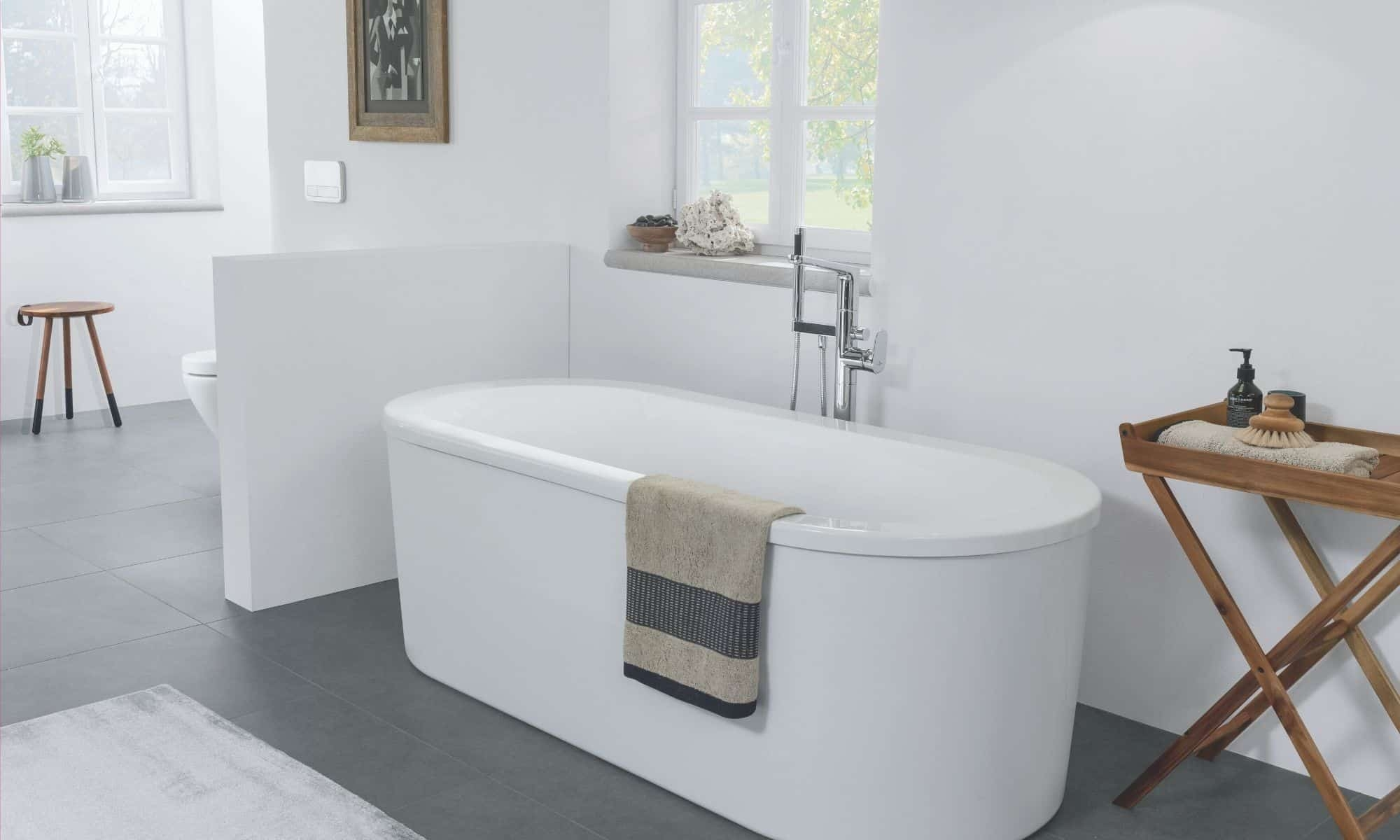Bathroom in white